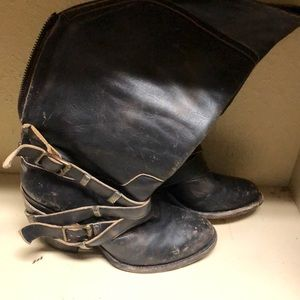 Free bird Teagan boots. Distressed look.